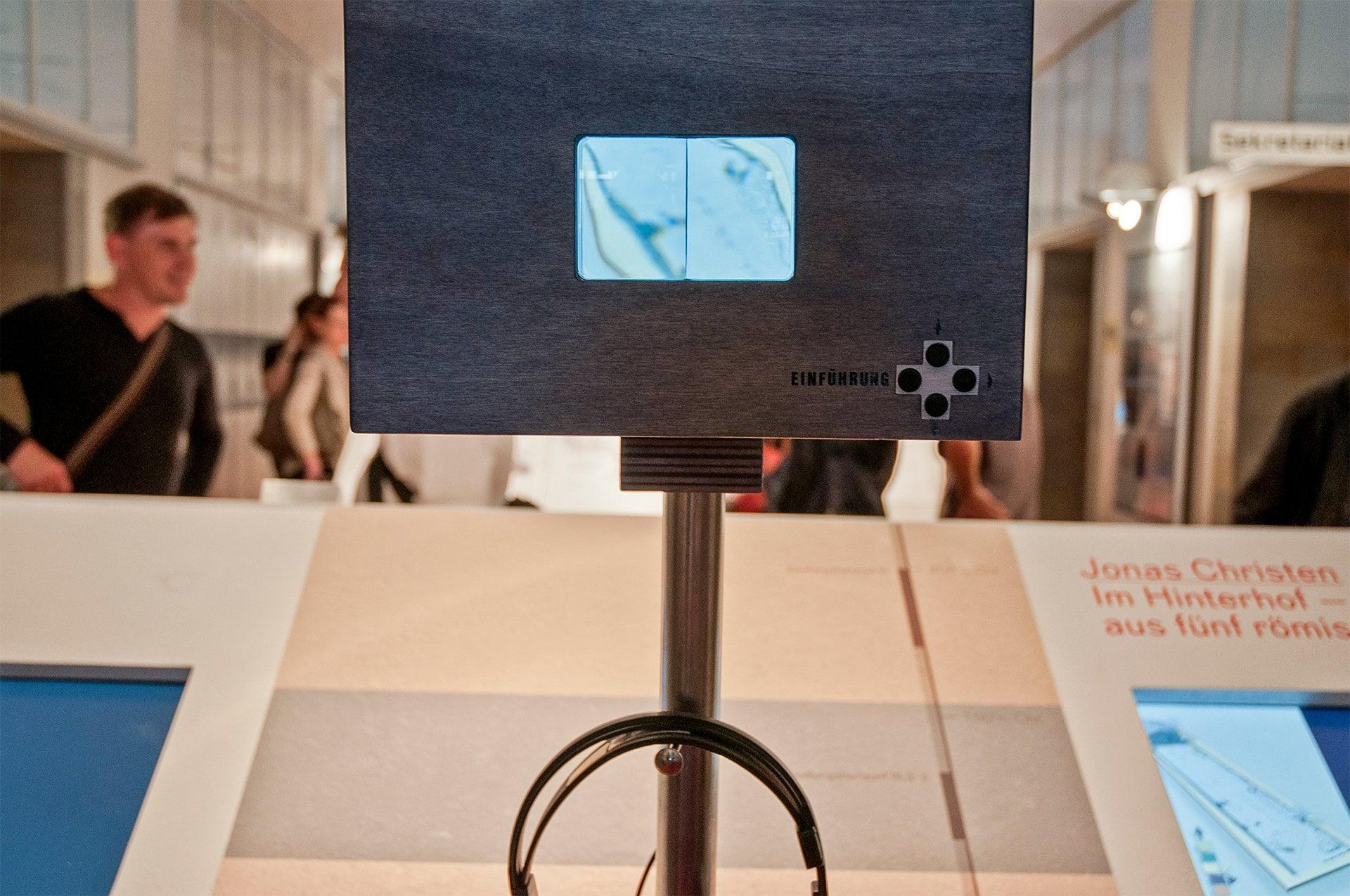 im Hinterhof, Installation, ikonaut